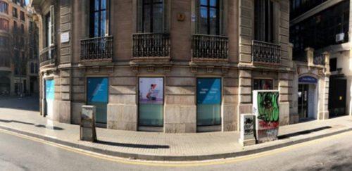 AXA asume la gestión directa del centro médico de Barcelona y prepara su expansión.