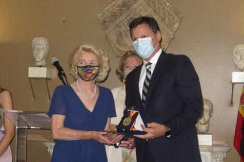 La Fundación AXA, Medalla de Oro Mayte Spínola por su labor filantrópica.