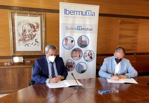 Ibermutua y la Asociación Española de Consultores de Empresas firman un convenio de colaboración.