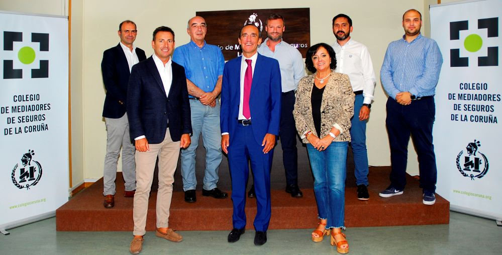 El Colegio de Mediadores de A Coruña celebra su primera Junta tras las vacaciones, en formato presencial.