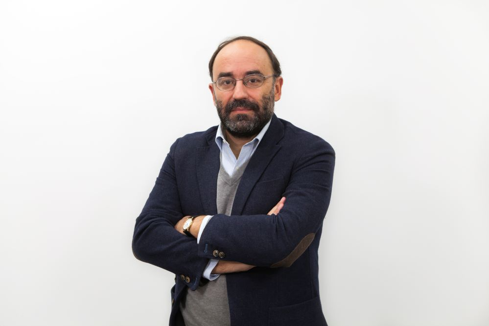 Abel Veiga recibe elPremio Internacional de Seguros Julio Castelo Matrán de Fundación Mapfre por sutrabajo sobre el impacto de la digitalización en el seguro.