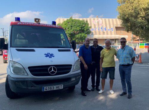 Grupo ASV envía una ambulancia a Gambia para mejorar la asistencia sanitaria.