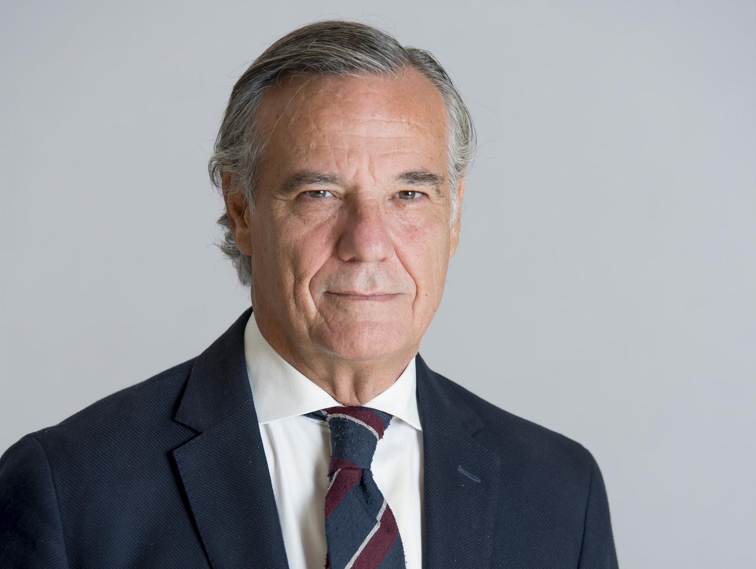 Herbert Smith Freehills ficha a Claudio Ramos, ex director general de la asesoría jurídica de Mapfre.