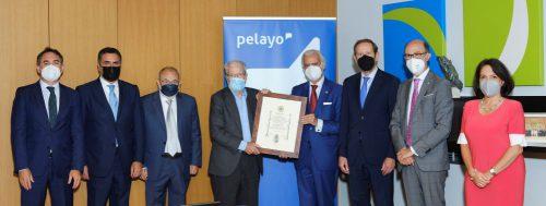 El Premio Pelayo para Juristas de Reconocido Prestigio condecorado con la Cruz de Honor Institucional de la Orden Iberoamericana de Justicia.