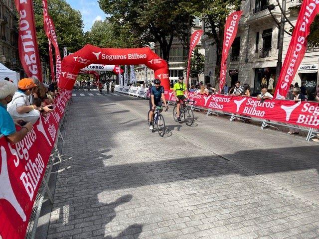 Seguros Bilbao reitera su compromiso con el deporte y patrocina la Marcha Cicloturista Bilbao-Bilbao.