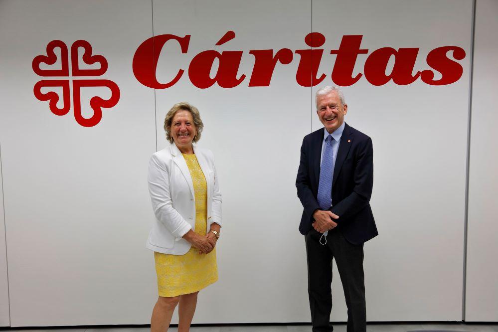 El seguro apoya la labor de Cáritas en favor de miles de familias y personas vulnerables en España.