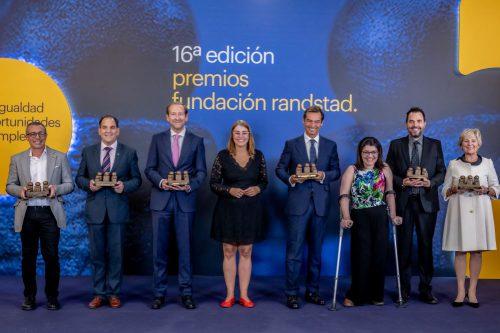 Pelayo recibe el premio de Fundación Randstad a la integración laboral de personas con discapacidad.
