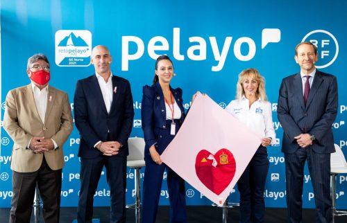 Pelayo y la RFEF visibilizan la lucha de las mujeres contra el cáncer.