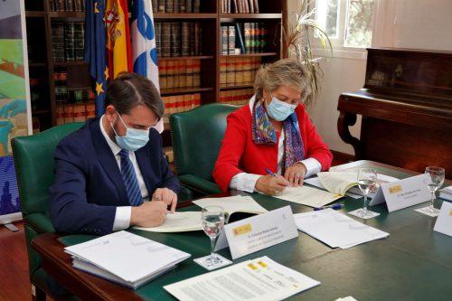 El seguro dona 3,8 millones al ISCIII para la investigación sobre la COVID-19.